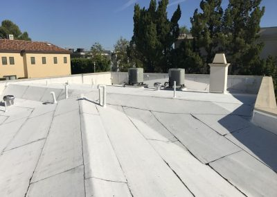 flat-roof-white-reflective